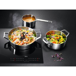 AEG Table de cuisson à induction IKE84445IB Hob2Hood